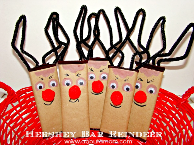 Transform a candy bar into Rudolph with this festive Hershey Bar Reindeer craft. It is a fun and inexpensive DIY holiday gift idea that you can do with the kids.