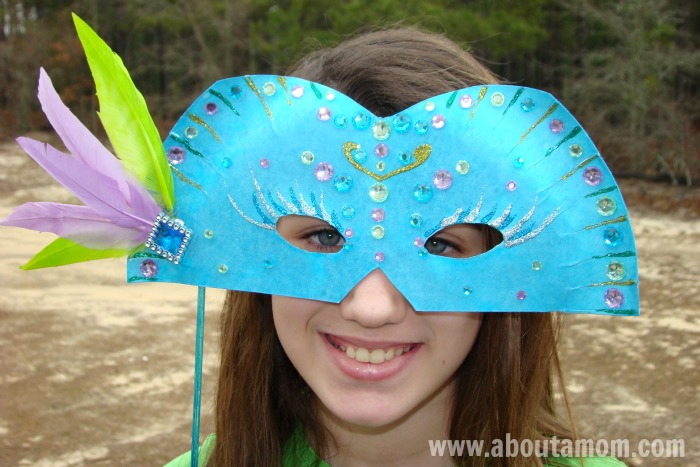 Mardi Gras Mask Paper Plate Craft