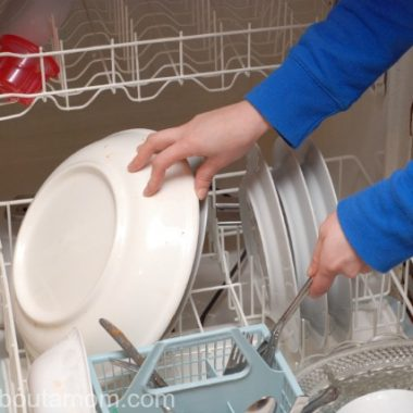 I'll Be Sharing the Secret to Cleaner Dishes as a Cascade My Platinum Ambassador
