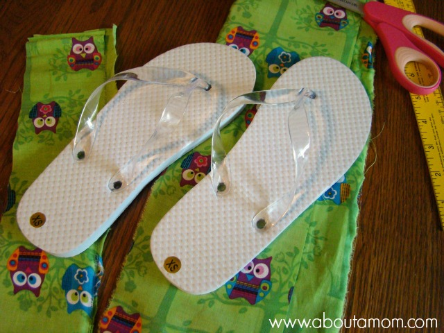 e9d90c65e94834 Simple DIY Fabric Flip Flops - About A Mom