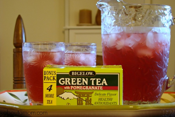 Bigelow Green Tea with Pomegranate #AmericasTea #cbias
