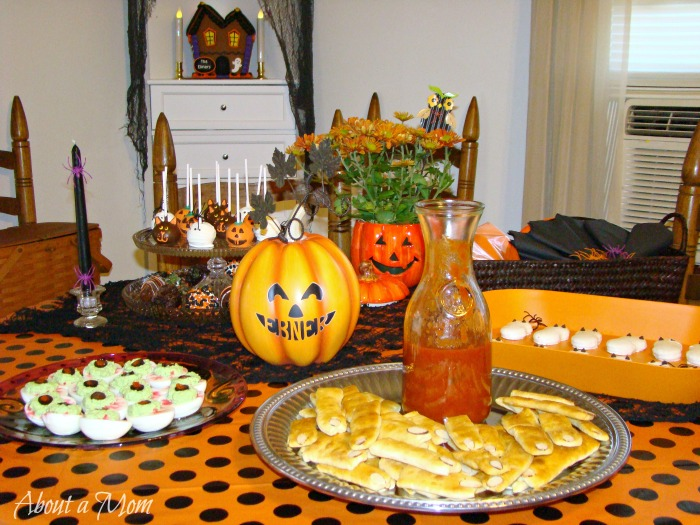 Halloween Party and Decorating Ideas and a HalloweenHangout