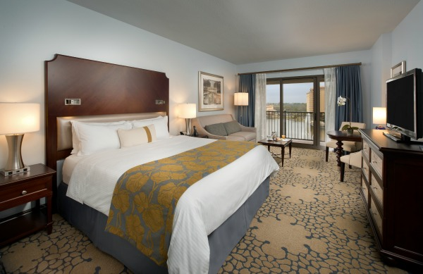 Win a Free Hotel Stay from Wyndham Rewards
