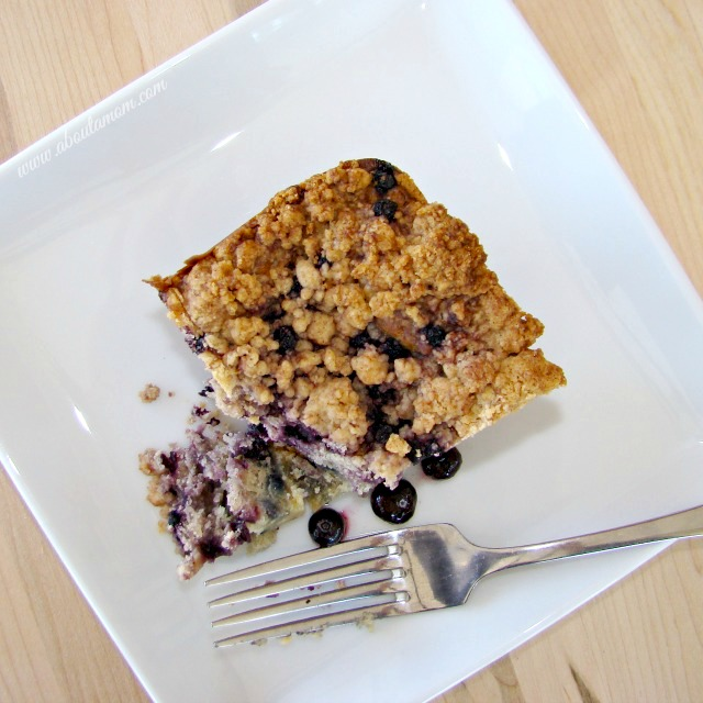 Classic Blueberry Crumb Cake Recipe