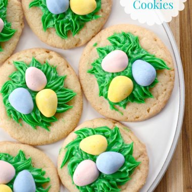 These Bird's Nest Cookies are simple and sweet way to celebrat spring. Perfect for your Easter baking!