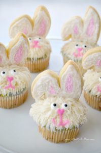 Easter Bunny Cupcakes made oh-so easy with a Bakery Crafts decorating kit!
