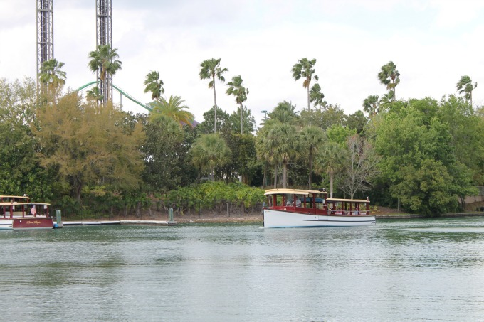 Water Taxi from Loews Royal Pacific Resort at Universal Orlando