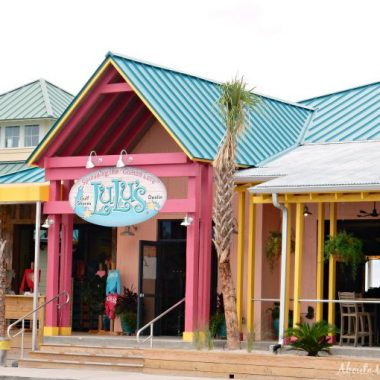 Visiting the Emerald Coast? Don't miss LuLu's and these other Destin restaurants.