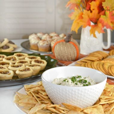 The holiday party season can be hectic. Here is a delicious sweet onion dip recipe, along with some Thanksgiving entertaining tips to make this Thanksgiving dinner your best one ever.