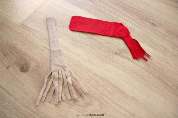 Felt SNowman broom and scarf