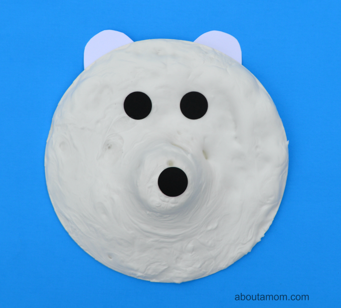 Polar bear craft using puffy paint for kids