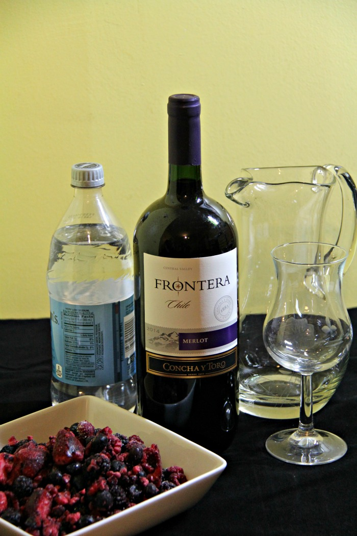 Using Frontera wine to make Sangria Wine Spritzers