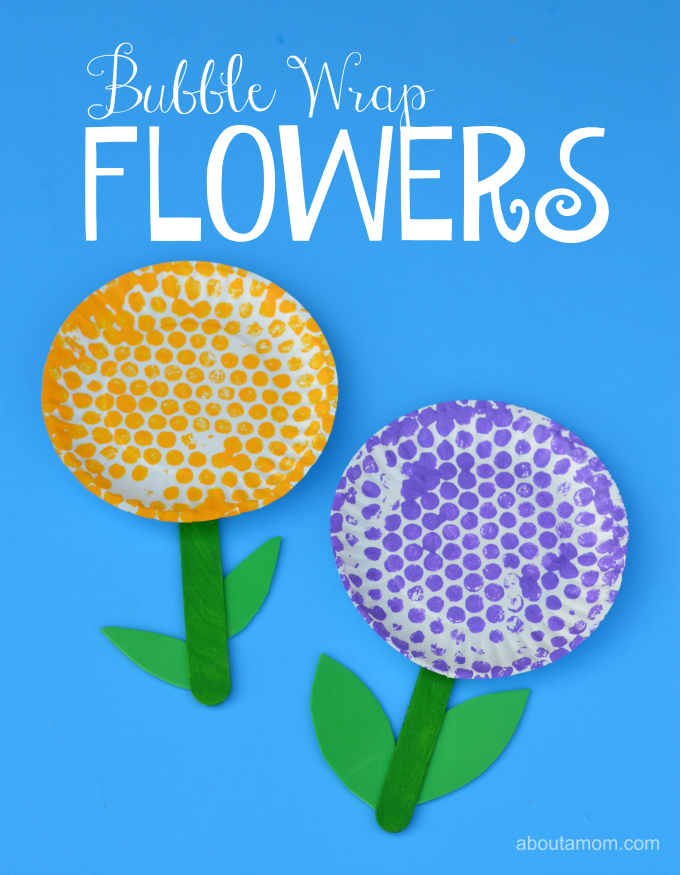 Fun springtime flower craft for kids using bubble wrap.
