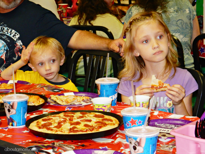 Secret to the Best Chuck E Cheeses Birthday Party About A Mom
