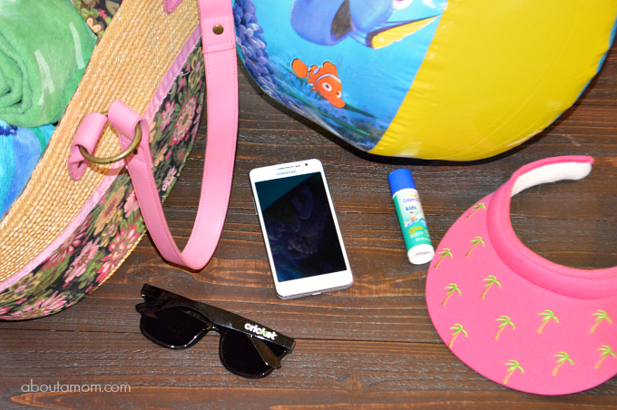 Gear Up for Summer with a New Samsung Phone from Cricket Wireless #SwitchForSmiles