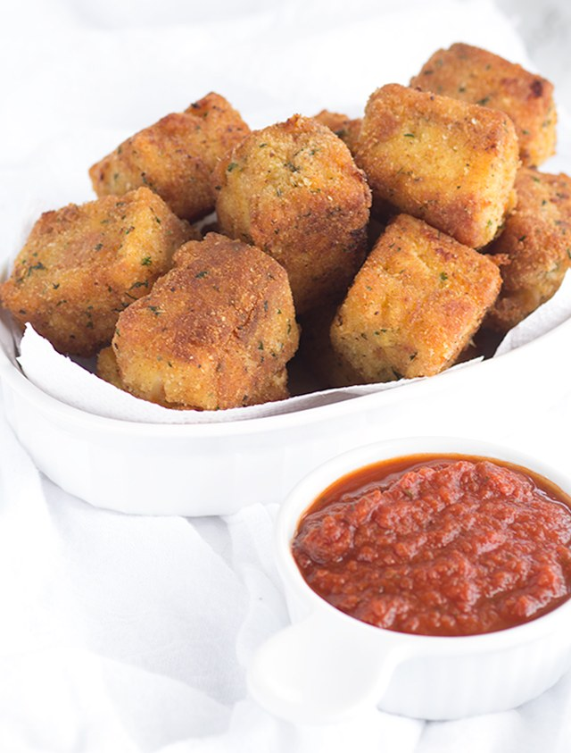 fried-macaroni-pizza-poppers
