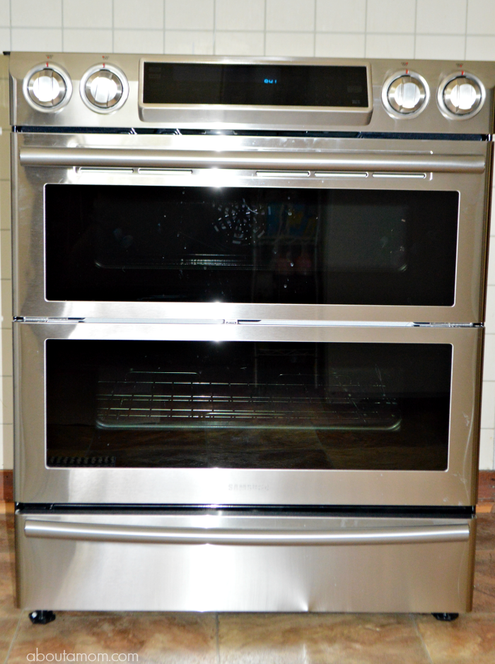 See why the Samsung Flex Duo™ Slide-In Electric Range with Dual Door and WiFi Connectivity is everything you want in a high end kitchen appliance. Sold at Best Buy.