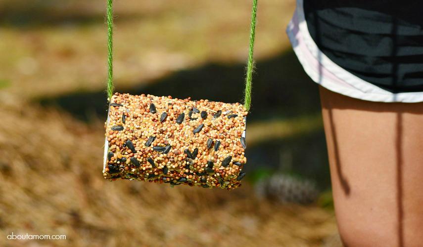 Make upcycled bird feeders backyard bird watching tips for Upcycled bird feeder
