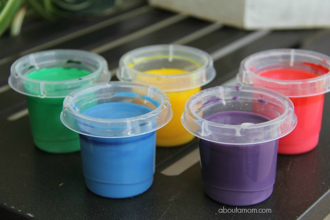 Make homemade finger paint and how to clean up afterwards, finished paints