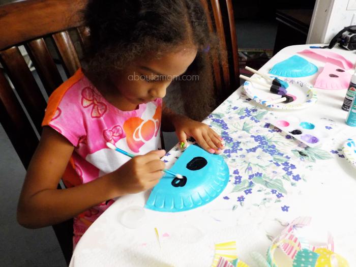 Making paper plate jellyfish.