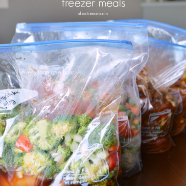 Need healthy and easy prepare meals for busy weeknights? Here are recipes for 5 healthy slow cooker freezer meals.