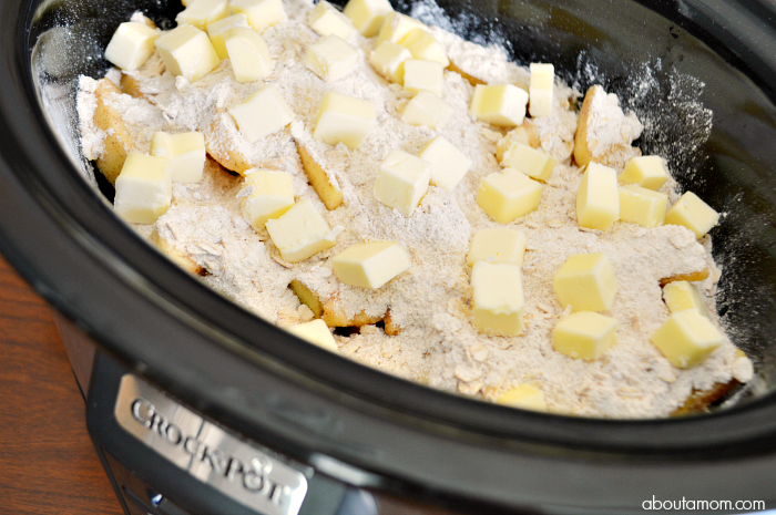 Crock-Pot® Slow Cooker Apple Crisp is a warm and comforting fall dessert that is easy to prepare. It's exactly the type of recipe you want on a chilly fall day.
