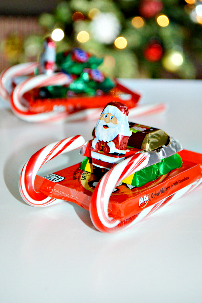 Let's talk about the candy sleighs that I made! It's easy to turn a few pieces of candy into something really fun. These are so simple to put together, and they are oh-so jolly and festive. I love giving and receiving homemade Christmas gifts. These easy-to-make candy sleighs are great for gift giving. Make this DIY Christmas gift for teachers, co-workers, classmates, neighbors or anyone who you'd like to treat.