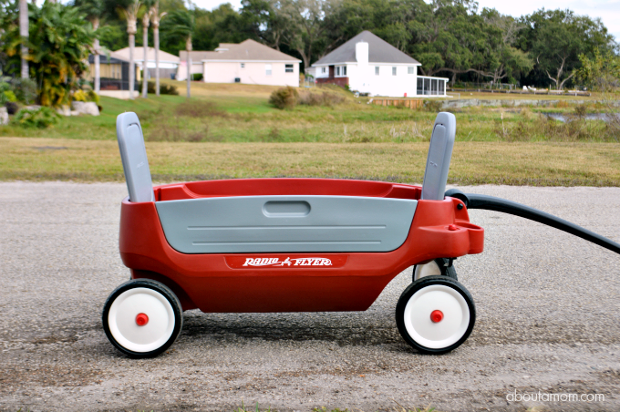 The Radio Flyer Deluxe Grandstand Wagon 3-in-1 provides 3 seating options and loads of features. It's a family wagon that you will use a lot.