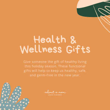 Give someone the gift of healthy living this holiday season. Now is the perfect time to give gifts that promote health and wellness. These 10 functional gifts will help to keep us healthy, safe, and germ-free in the new year.