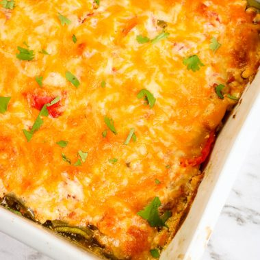 This Creamy Baked Chicken Fajitas Casserole has all of the great flavors of chicken fajitas. A simple to prepare dinner recipe the whole family will enjoy.