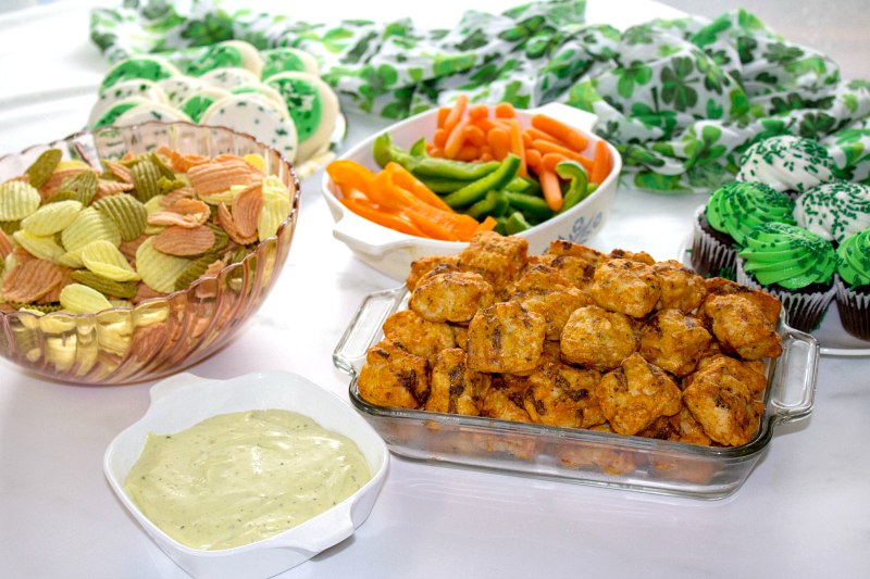 Easy appetizer party food ideas for your next get-together. Entertain with ease and enjoy spending time with your guests.