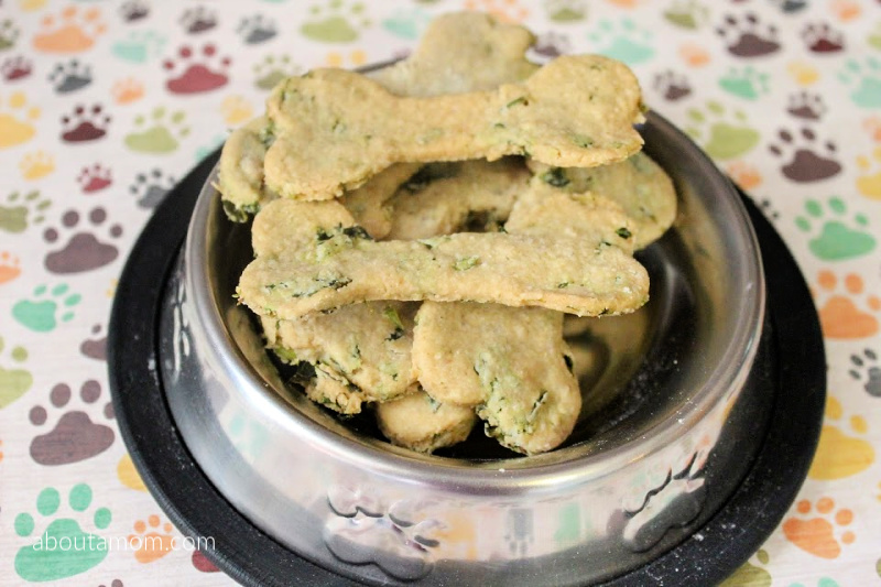 Does your dog have bad breath? This recipe for homemade fresh breath dog treats contains wholesome ingredients, and comes together easily. Dog bad breath treats are an absolute must, especially if you have a dog that likes to give kisses.