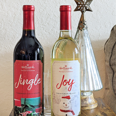 This year makes the debut of Hallmark Channel Wines and the launch of a brand-new wine collection including Jingle and Joy! These wines are perfect for gift giving and pairing with Hallmark Channel Countdown to Christmas movies.