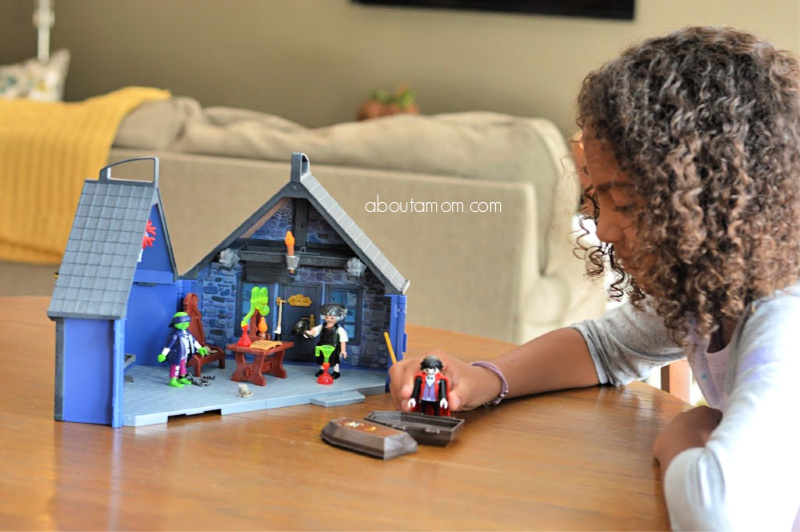 Get in the spirit of the spooky season with the Take Along Haunted House, new from PLAYMOBIL.