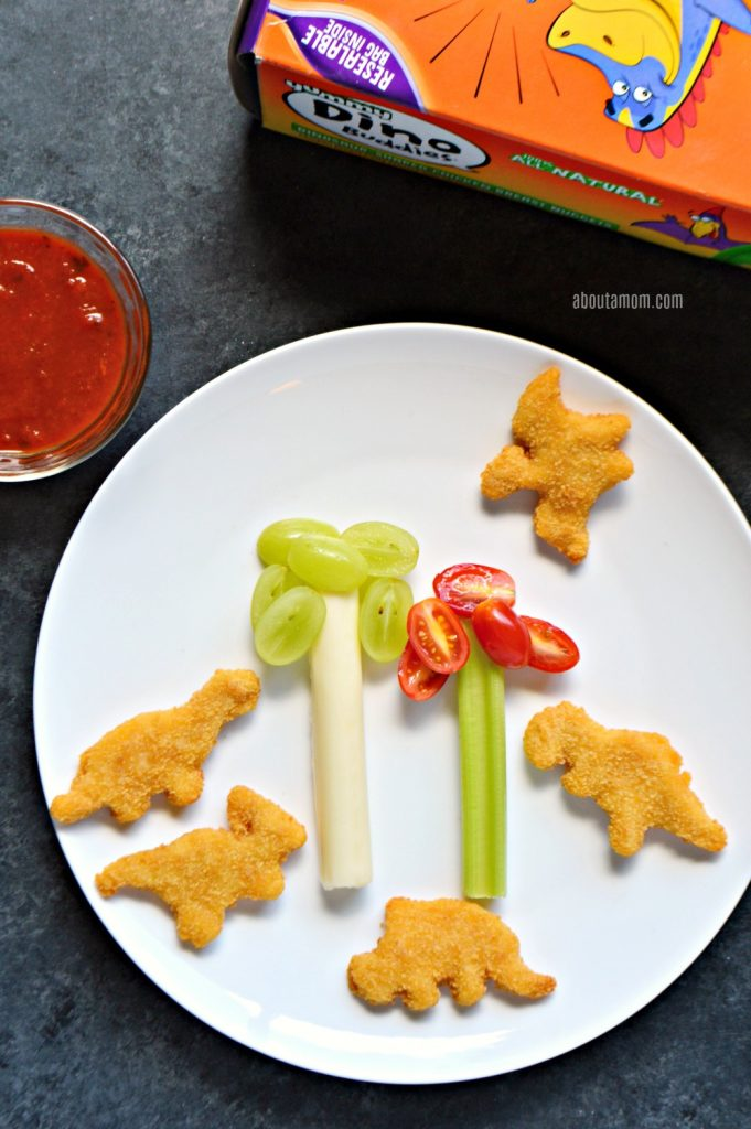 Making mealtime fun encourages kids to eat more healthy foods. Here's a nutritious and fun after school snack idea with Yummy Dino Buddies dinosaur-shaped nuggets.
