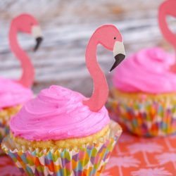 Flamingo Cupcakes with Printable Topper