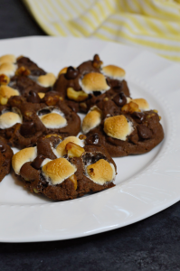 I'm a huge Gilmore Girls fan. In a Season One episode, Sookie made rocky road cookies for Rory to give to her boyfriend Dean and he loved them. I've made my own version of Sookie's Rocky Road Cookies. Much like rocky road ice cream, these cookies are chocolaty, nutty, marshmallow-ey, and oh-so decadent. They're also super simple to make. Basically, these Gilmore Girls-inspired Rocky Road Cookies are sweet and gooey and crunchy - everything you want in a cookie recipe. I know you're going to love them!