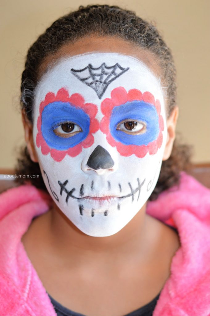 An easy sugar skull makeup tutorial that can be done in under thirty minutes.