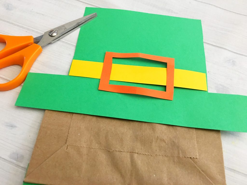 Celebrate St. Patrick's Day with the kids. Make this fun Leprechaun paper bag kid craft.
