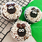 Totally Adorable & Easy-to-Make Sheep Cupcakes
