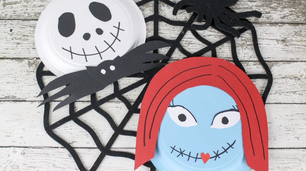 Fans of The Nightmare Before Christmas are sure to enjoy this simple Jack and Sally Halloween craft.