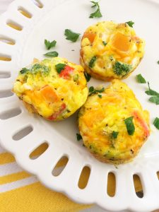 Create a simple hot breakfast with these veggie omelette cups that everyone will love