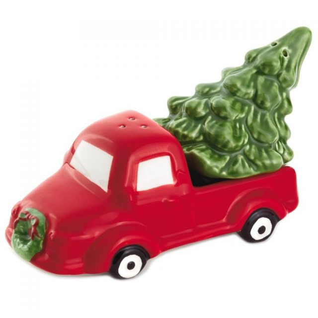 truck with a Christmas tree
