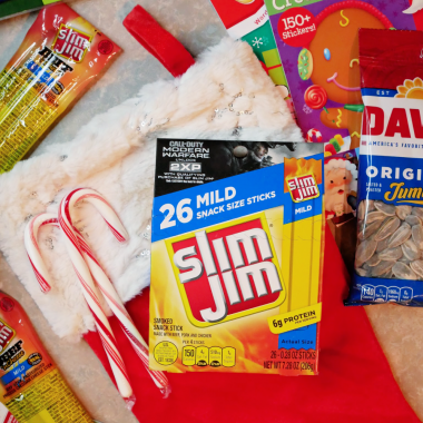 There's been a lot of buzz this holiday season about experience gifts for kids, and I'm all aboard. Travel is a wonderful gift for children. If you are gifting a family vacation this Christmas, be sure to check out these stocking stuffer ideas for traveling kids.