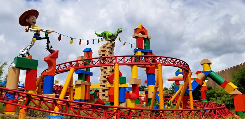 Planning a trip to Walt Disney World? If you have younger children, be sure to visit Hollywood Studios and check out Toy Story Land. While the crowds are gathered at Star Wars Galaxy's Edge, head right on back to all the fun that awaits in Toy Story Land.
