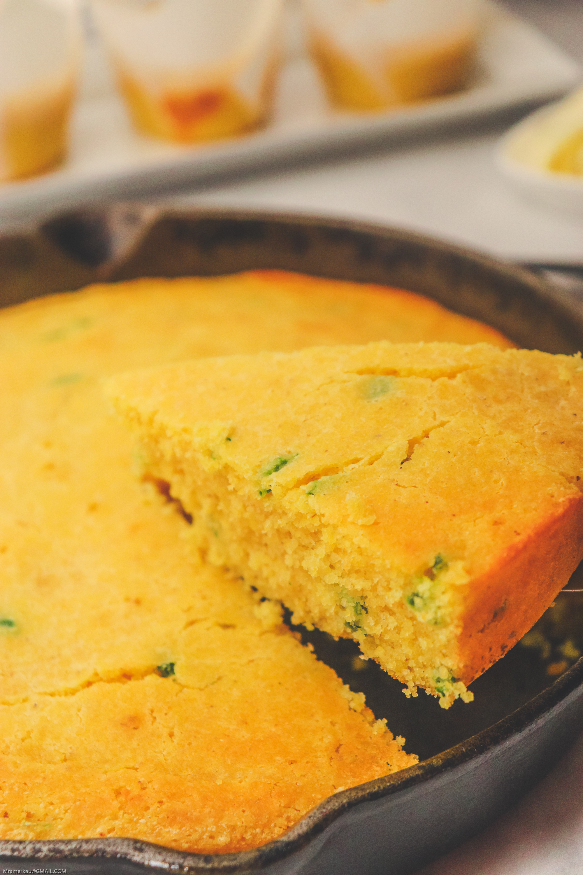 Jalapeno Skillet Cornbread Recipe - This cornbread skillet recipe is the easiest and best tasting cornbread. Seasoned with jalapeno peppers, this cornbread recipe makes an amazing side dish to any of your favorite meals.