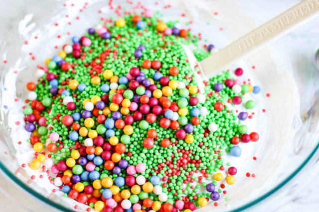 add foam beads to glue mixture