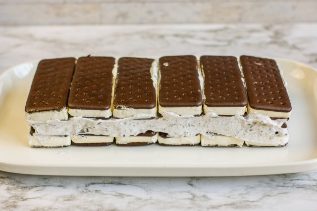 2 layers of ice cream sandwiches