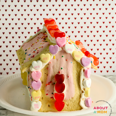 If you are a fan of making of gingerbread houses for the Christmas holiday, then this cute little Valentine's Day themed project is for you. This Valentine's Day Pop Tart House is such a fun, creative and oh-so yummy Valentin's Day activity for kids.